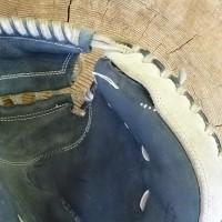 キャッチャーミット 指先縫い糸ほつれ修理 紐交換とグリス入れ 神奈川